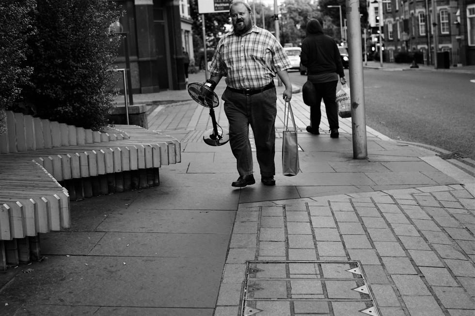 Ein Mann und sein Ventilator.jpg