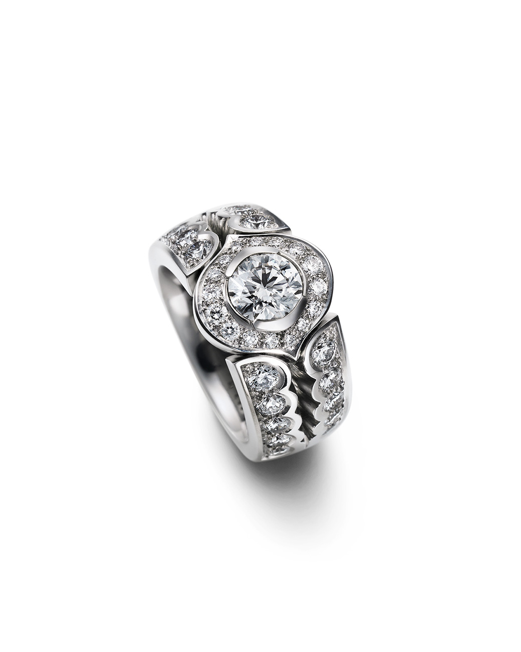 Ring-Messerer Juwelier-Diamanten
