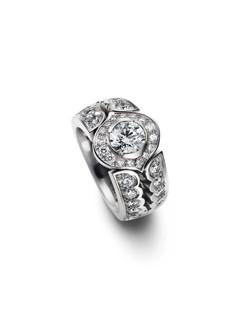 Ring-Messerer Juwelier-Diamanten