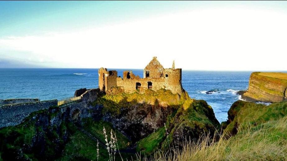 812109 Dunluce Castle in the Winter Sun