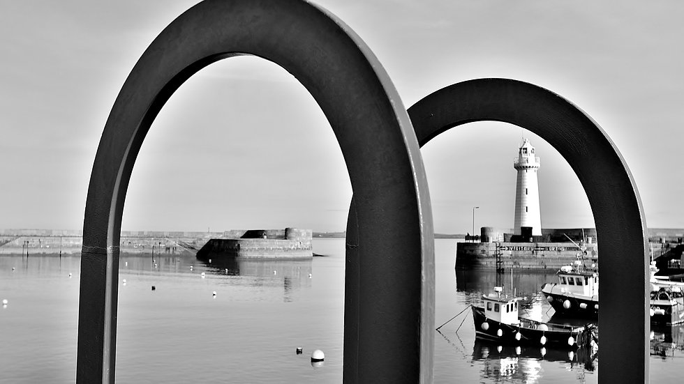 812108 Lighthouse thru the Loops