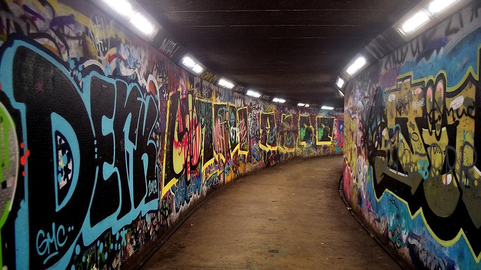 812165 Belfast Subway
