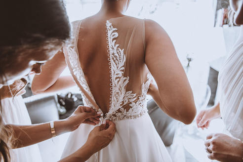 bare back wedding dress