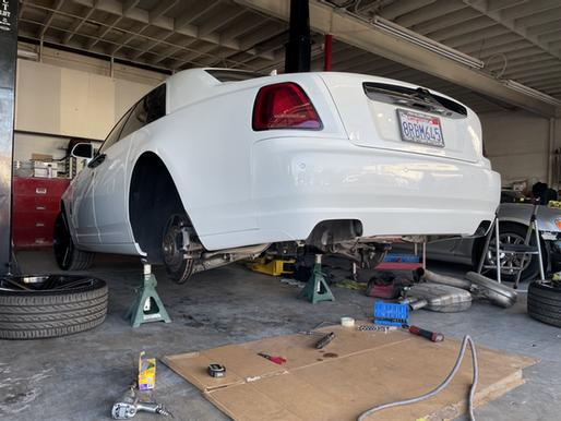 Six Essential Luxury Car Maintenance Tips