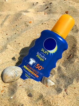 Sunscreen reduces skin aging