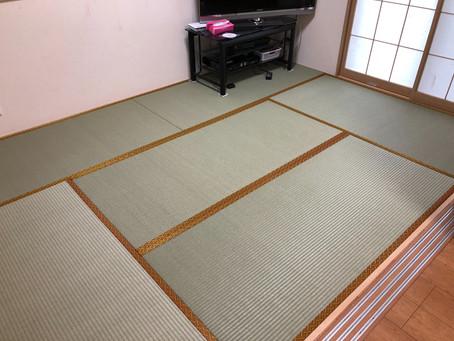 樹脂製の畳表で張り替え。