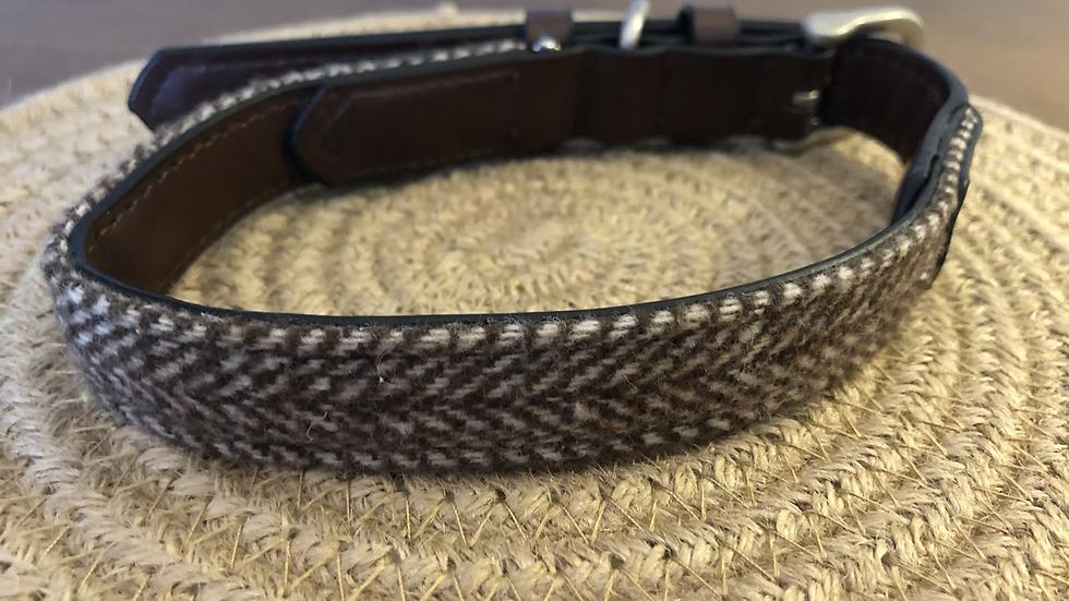 Brown Herringbone Tweed Collar Medium
