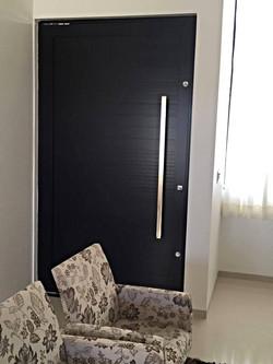 Obra Residencial 05 - Preto.