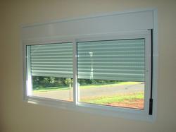 Persiana integrada com janela
