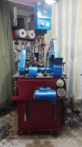 Multifunktionale 2x72 Bandschleifmaschine mit Wasserkühlung und kleiner Drehbank www.forgedinfire.at