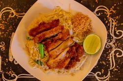 CRISPY CHICKEN PAD THAI