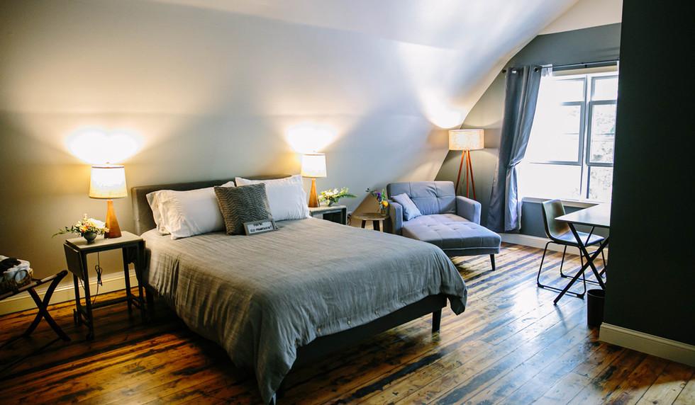 Elephant Room - The Long Neck Inn