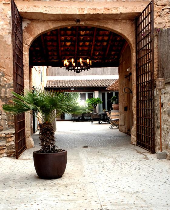 East 26 Eingang vom Parkplatz