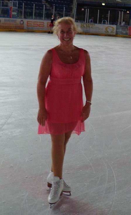 Syl Garmisch Robe Rose.jpg