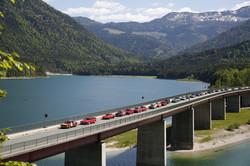 Autos auf der Brücke