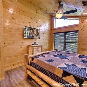 Twin River Lodge Bedroom