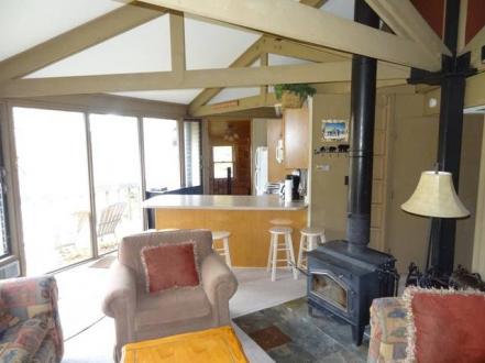 kitchen cabin.jpg