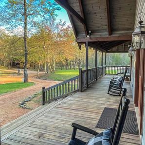 Twin River Lodge