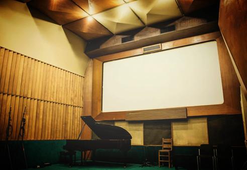 Studio A /piano focus (Antart Studios)