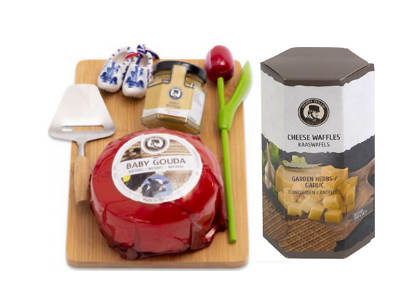 Cheese Gift Set with Cheese Waffle Crisps