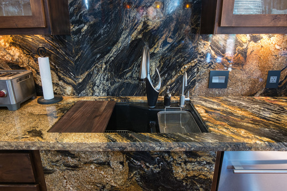 Kitchen sink, All granite in the house matches!