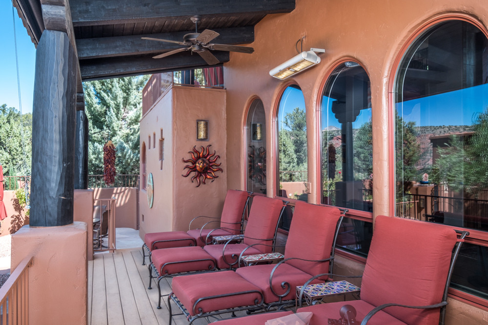 Covered Deck w/gas heater & sunscreens