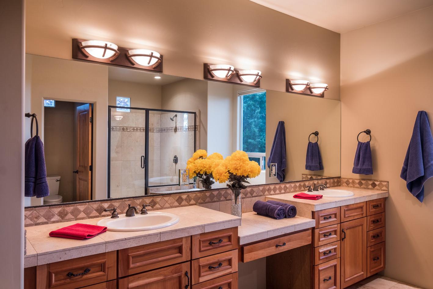 Large Master bath, 2 sink vanity