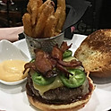 UP Lounge Classic Burger