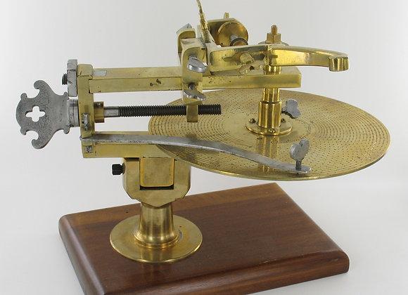 Machine à fendre et tailler