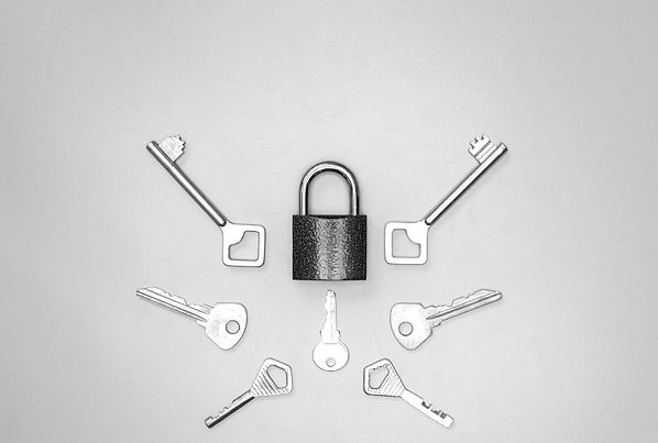 keys-set-in-house-shape-home-security-an