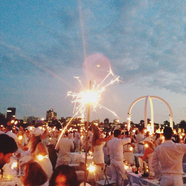 Everything You Need To Know About Dîner En Blanc