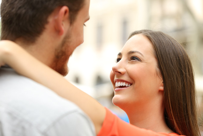 3 Undeniable Signs He's TOTALLY Falling In Love With You