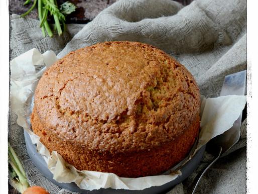 Möhrenkuchen, oftewel worteltaart met walnoten