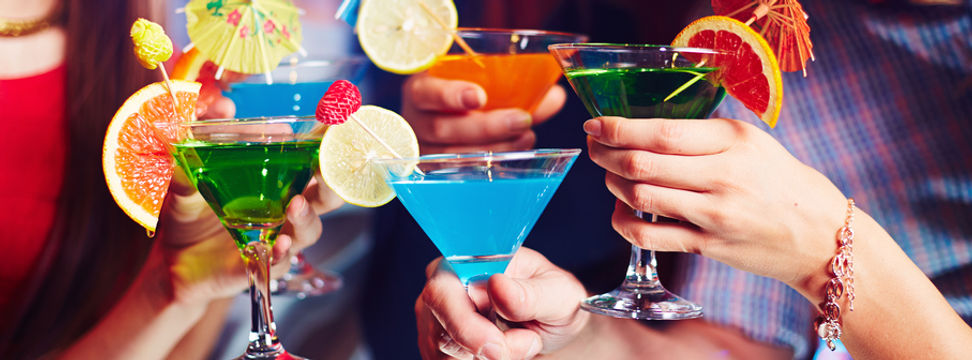 Freinds drinking cocktail drinks
