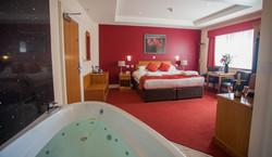 Honeymoon Suite with spa bath
