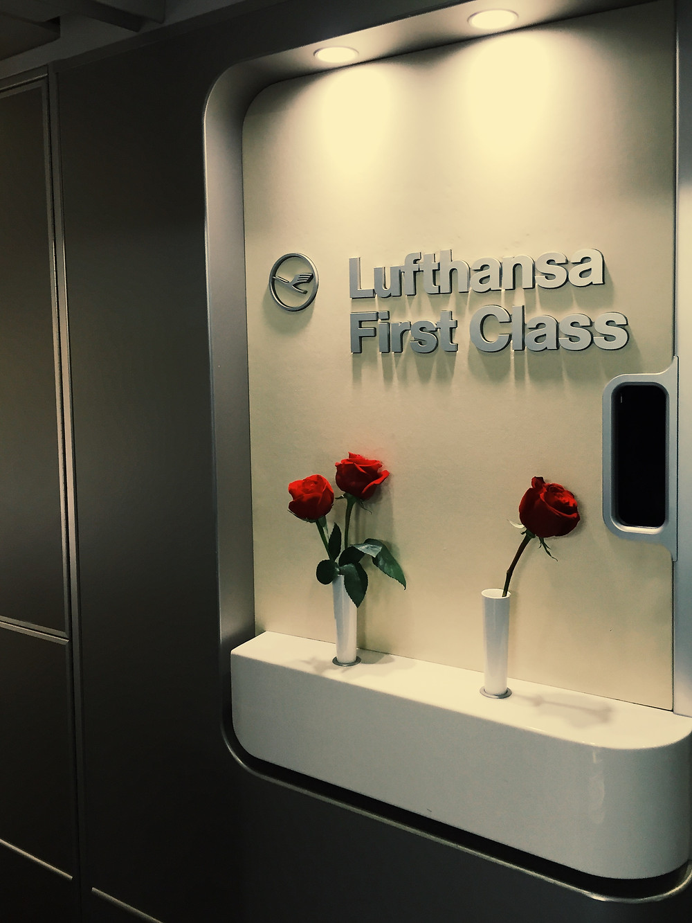 Lufthansa First Class, Door 1L Welcome Sign