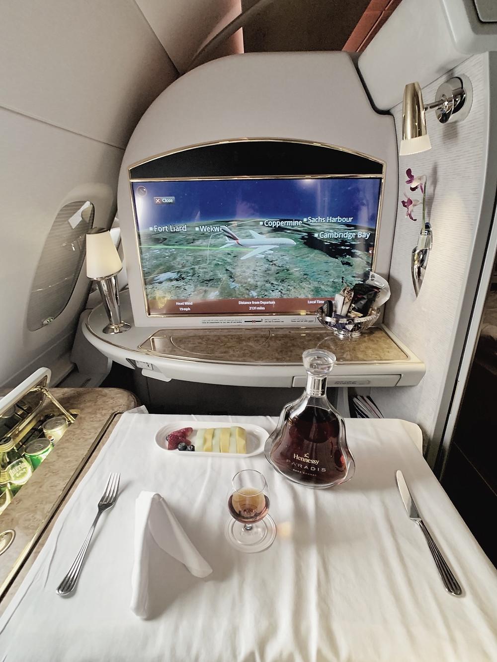 Emirates First Class San Francisco - Dubai, Hennessy Paradis