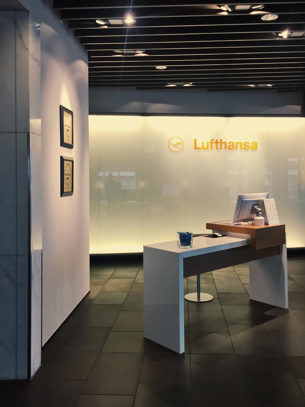 Lufthansa First Class Terminal, Check-In Desks