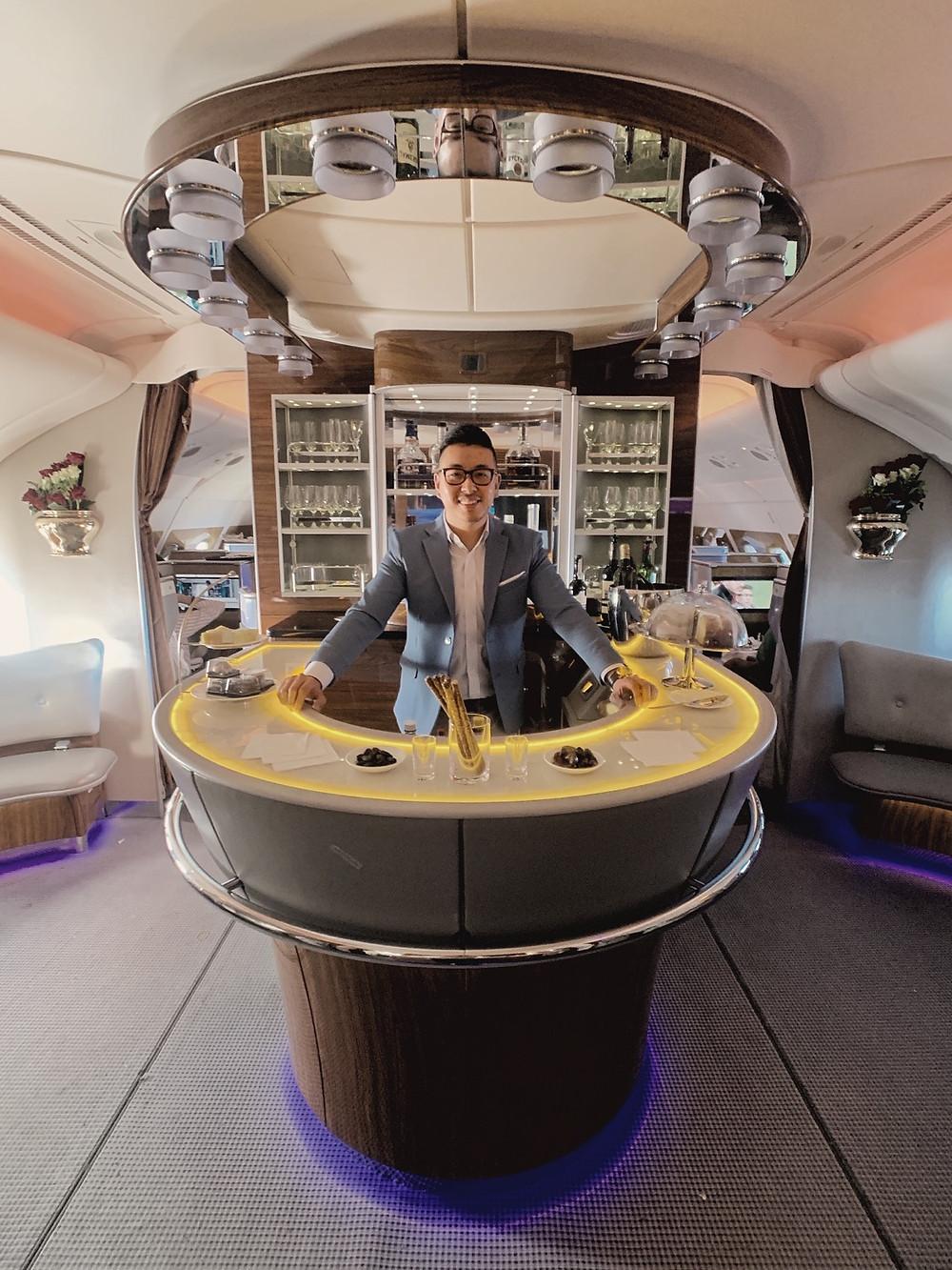 Emirates First Class San Francisco - Dubai, A380 Onboard Bar