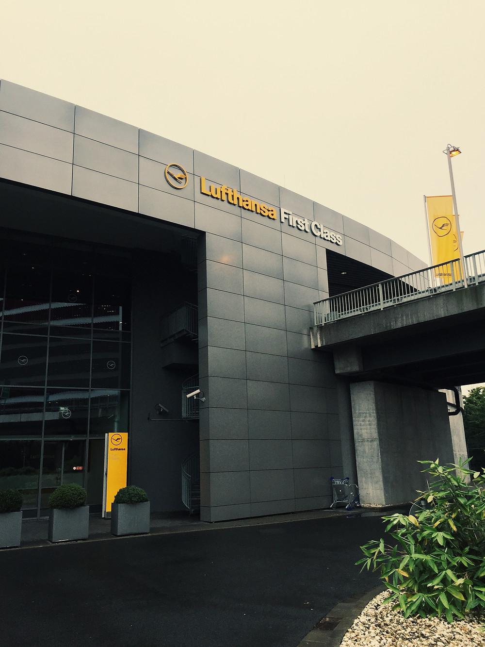 Lufthansa First Class Terminal, Exterior
