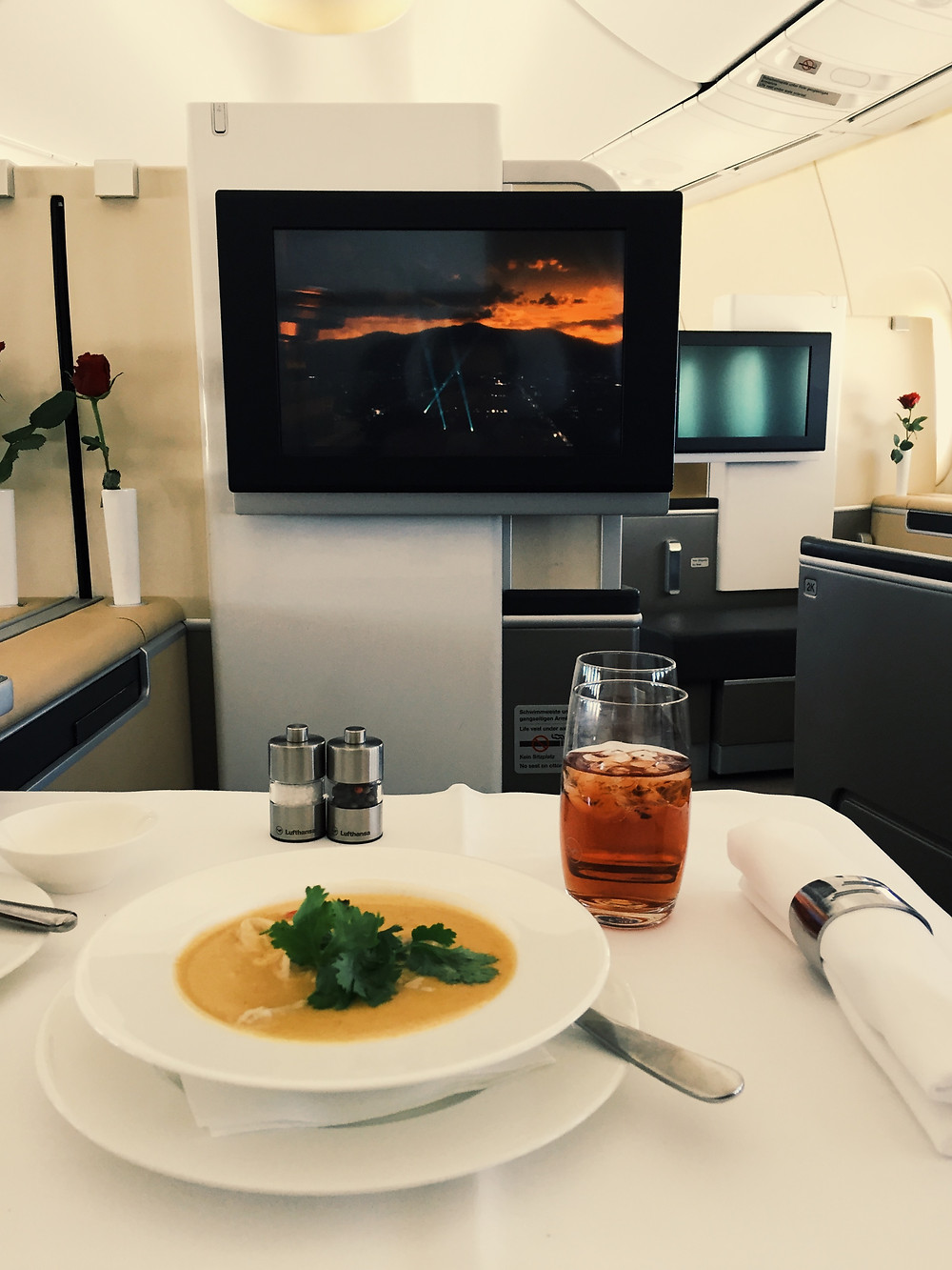 Lufthansa First Class, Tom Kha Soup