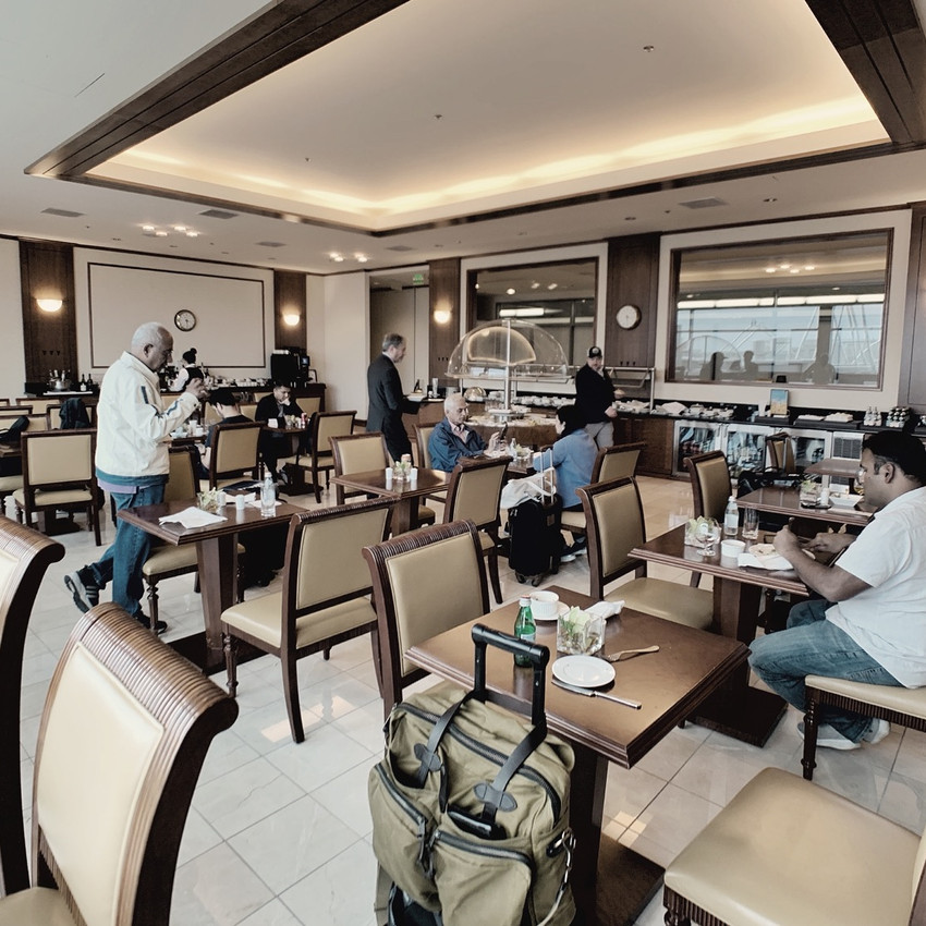 The SFO Emirates Lounge offers plenty seating between the main room and dining room.