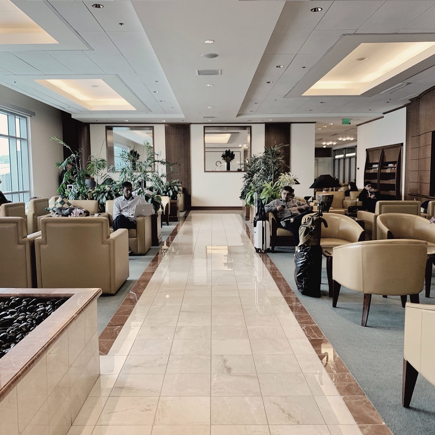 Emirates First Class, SFO Lounge