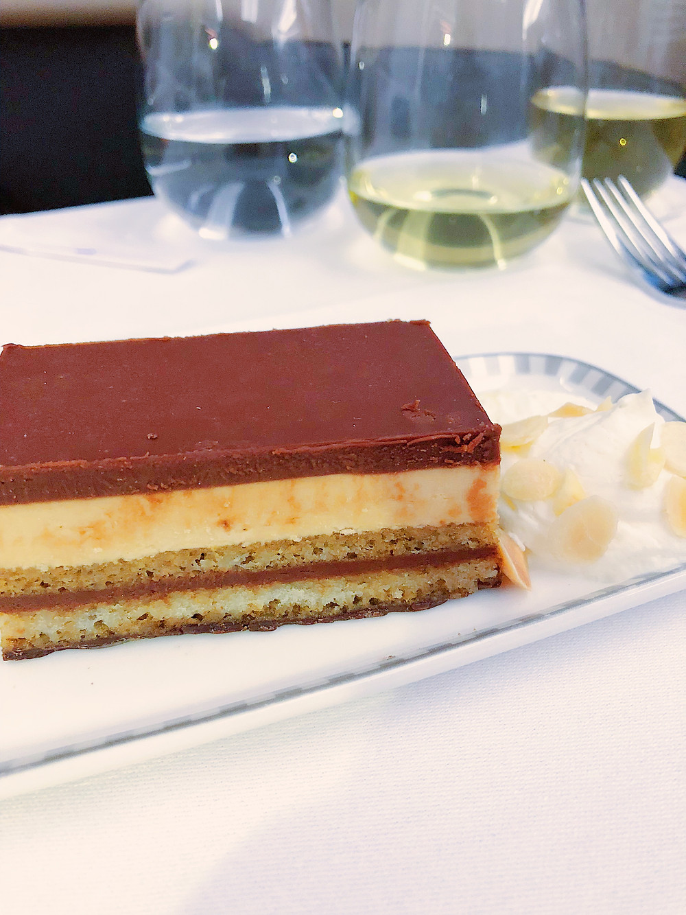 Singapore Airlines Business Class, Opera Cake