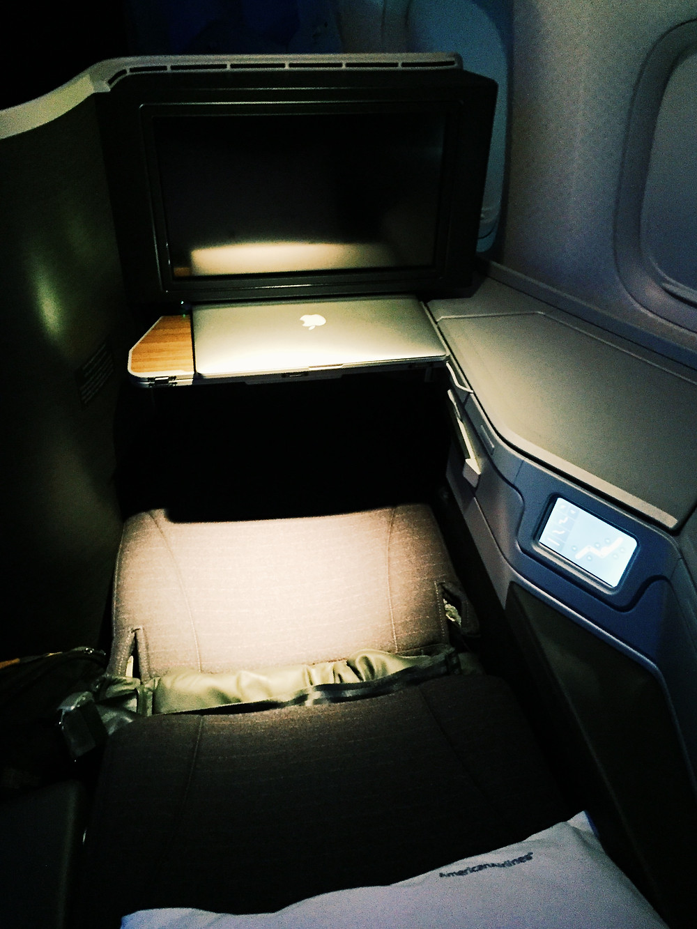 American Airlines Business Class, Lay-flat Mode