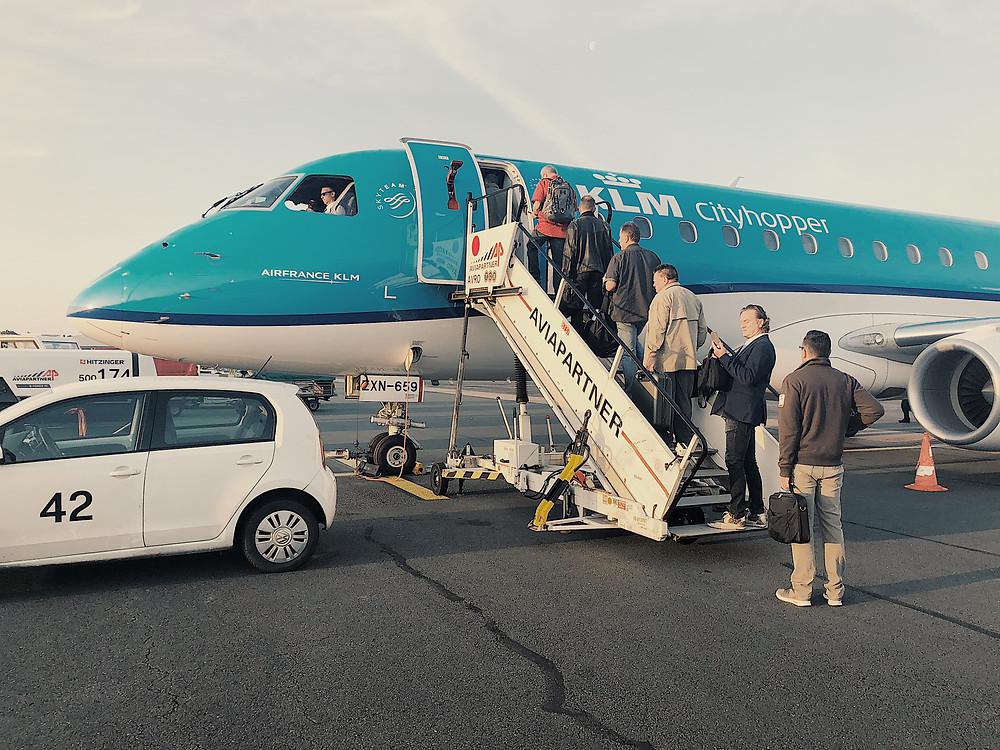 KLM Embraer E190 Departing Dusseldorf
