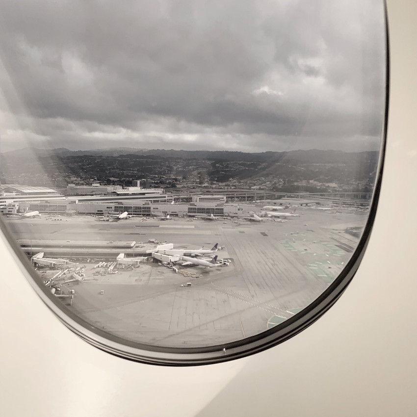 Take-off views of United's major presence at SFO, capturing the 5PM afternoon traffic.