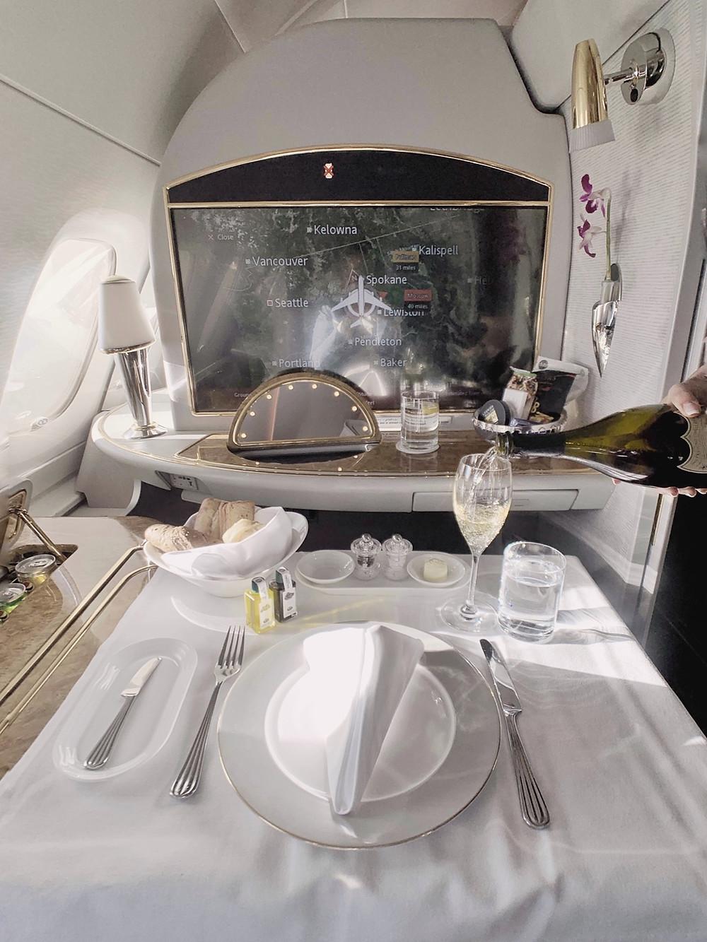 Emirates First Class San Francisco - Dubai, Table Setting