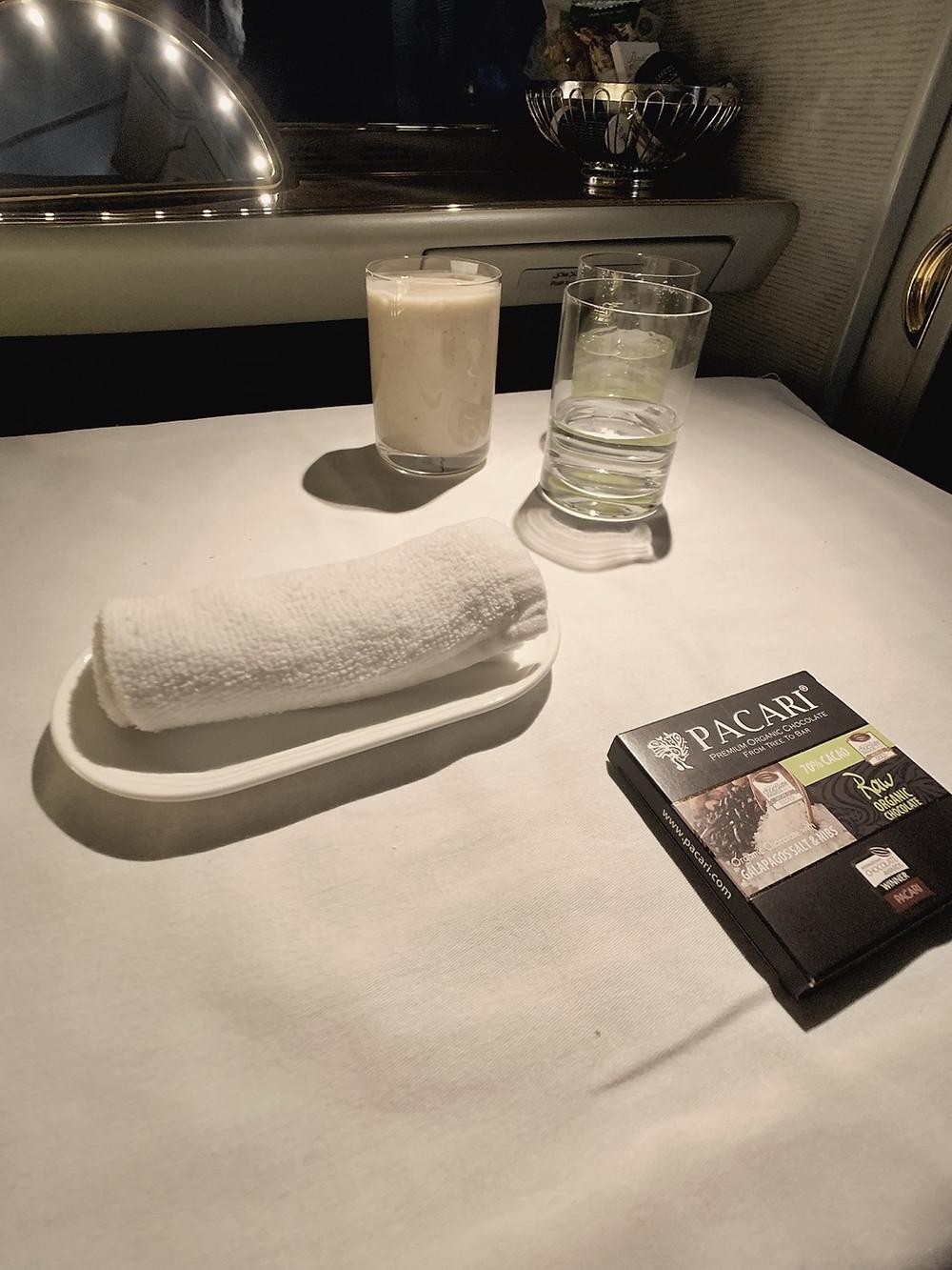 Emirates First Class San Francisco - Dubai, Breakfast Service