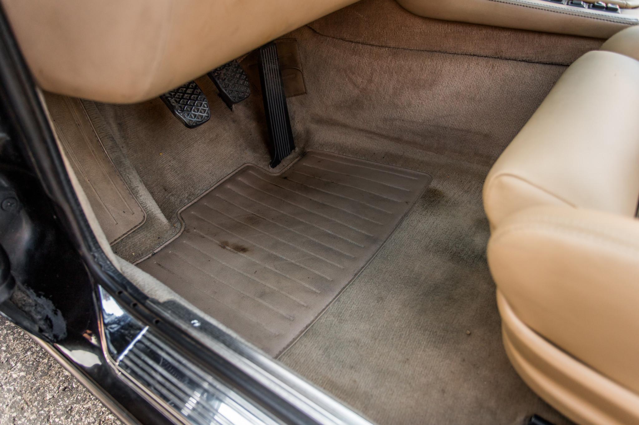 1988 bmw M6 kent classic cars (65).jpg